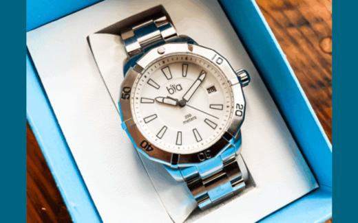 Une montre Bia