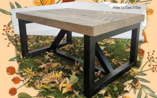 Une table de salon faite à la main par un artisan