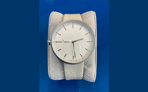 Une montre pour femme Manfred Cracco
