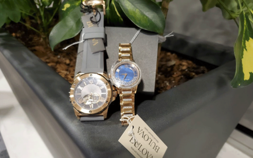 2 montres de Bulova
