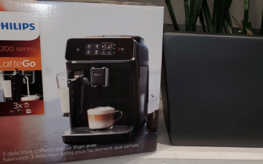Une machine à expresso automatique 2200 de Philips