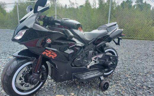 Une moto 12V