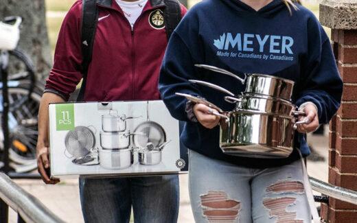 Un Ensemble de casseroles de 11 pièces