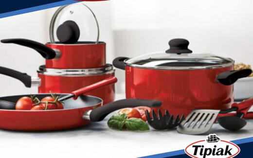 Un ensemble à cuisine de 11 pièces + produits Tipiak